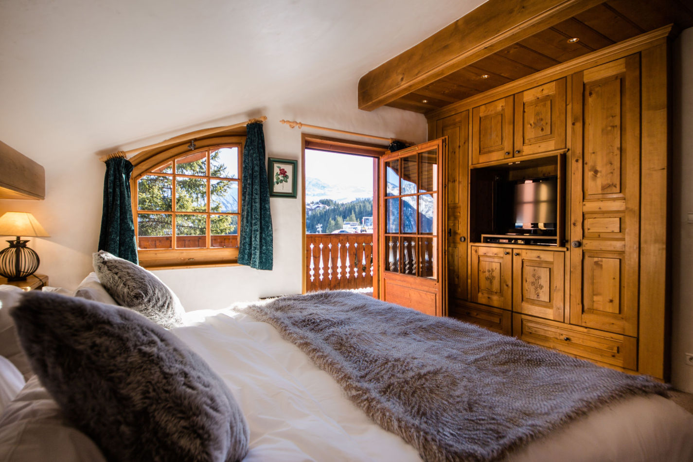 chalet-maisonnee-a-bedroom-image-2