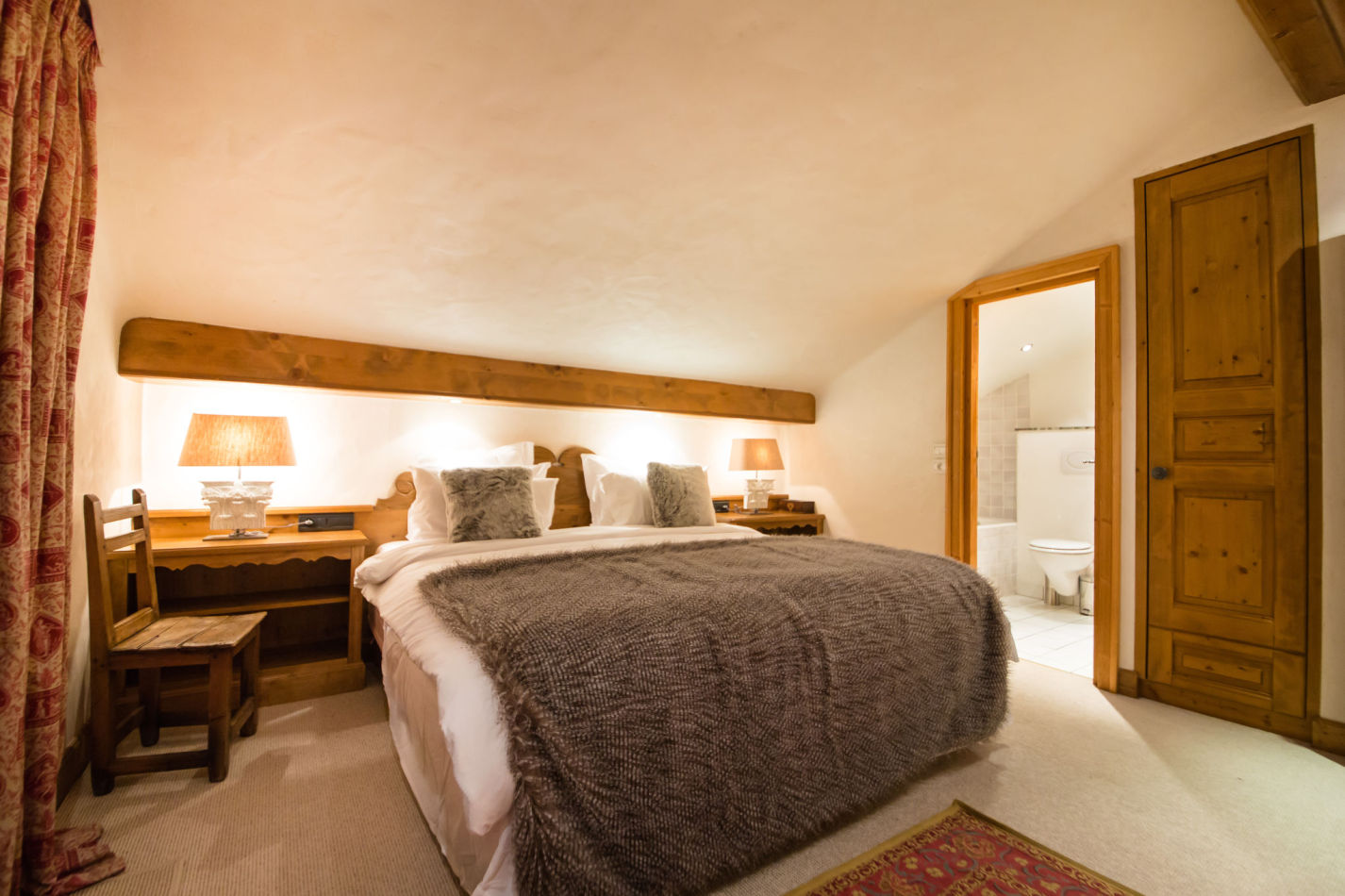 chalet-maisonnee-a-bedroom-image-5