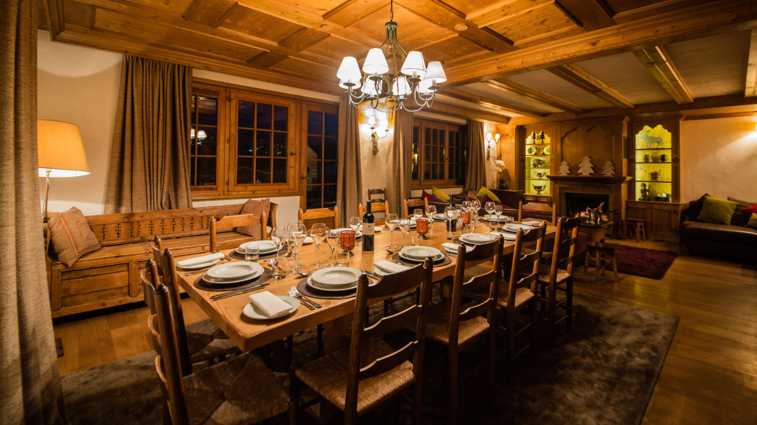 chalet-maisonnee-a-dining-night-1