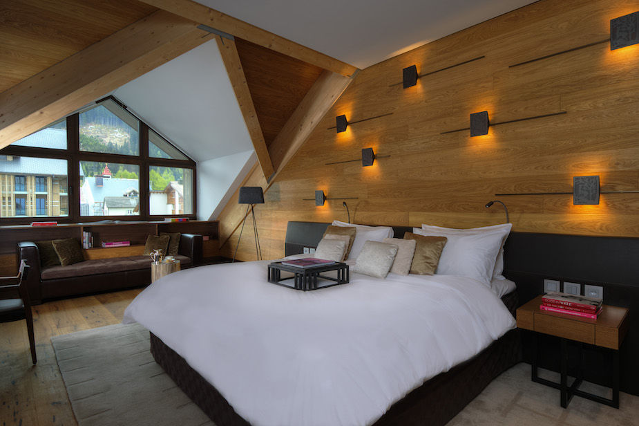 chedi-andermatt-furka-suite-bedroom1-3