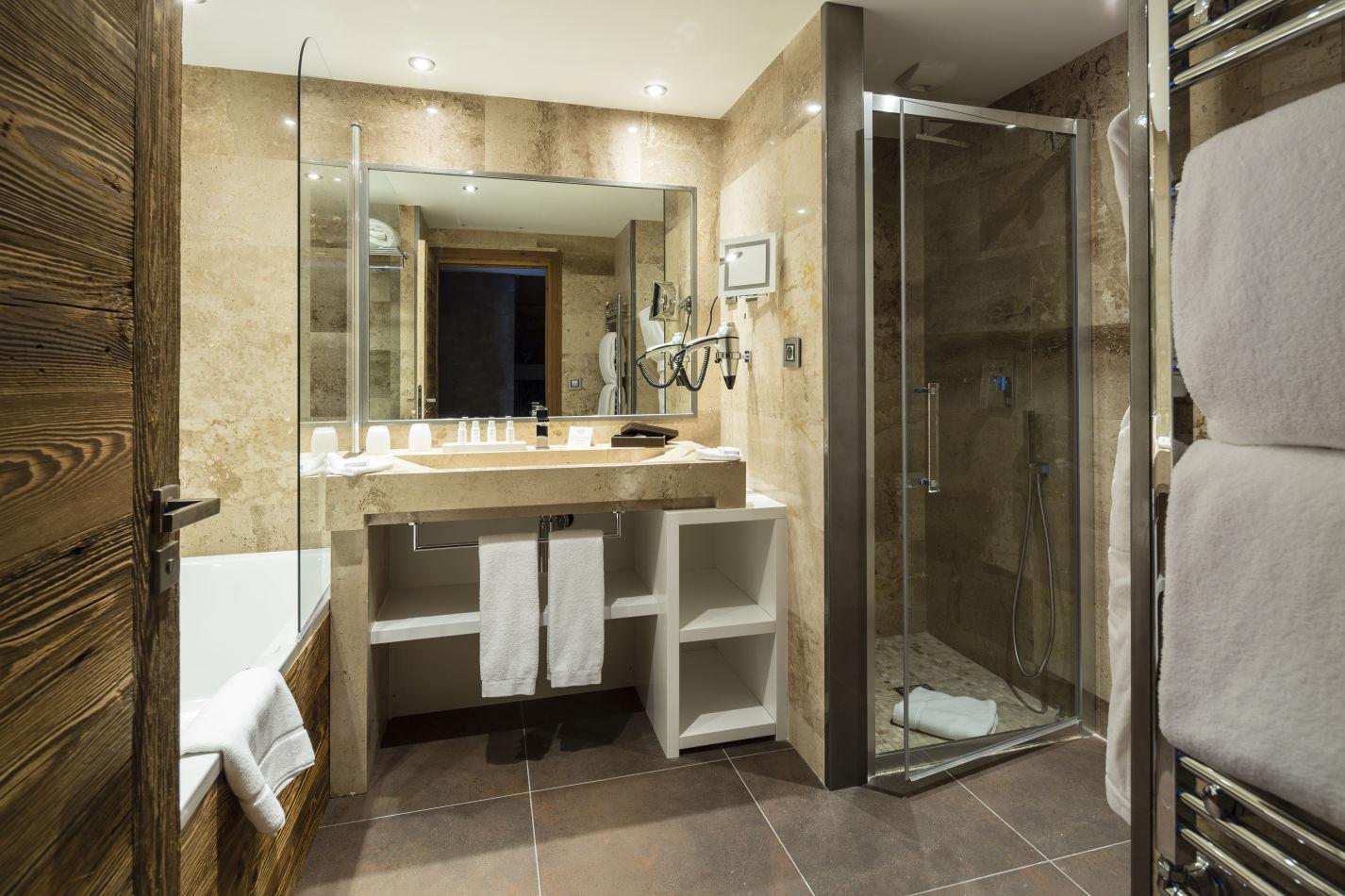 junior-suite-43-m%c2%b2-salle-de-bain