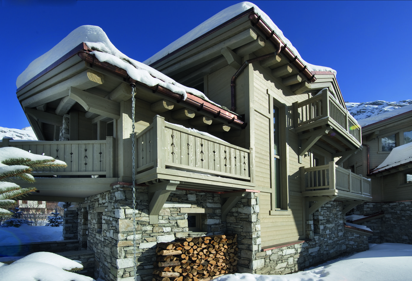 exterior-chalets-pearl-1-2