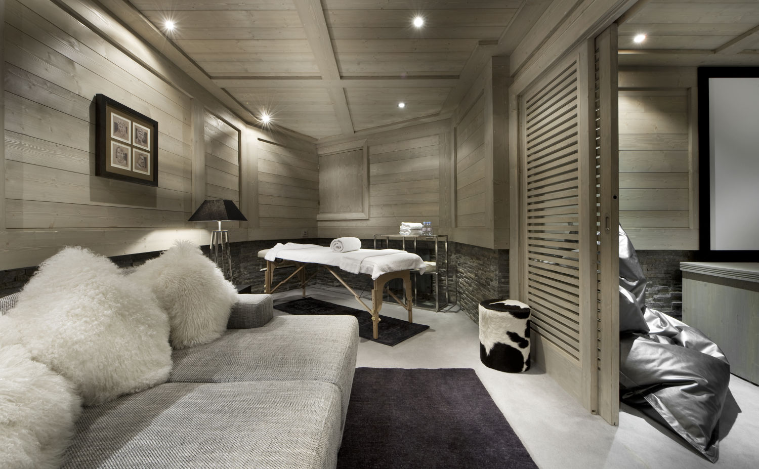massage-room-white-pearl