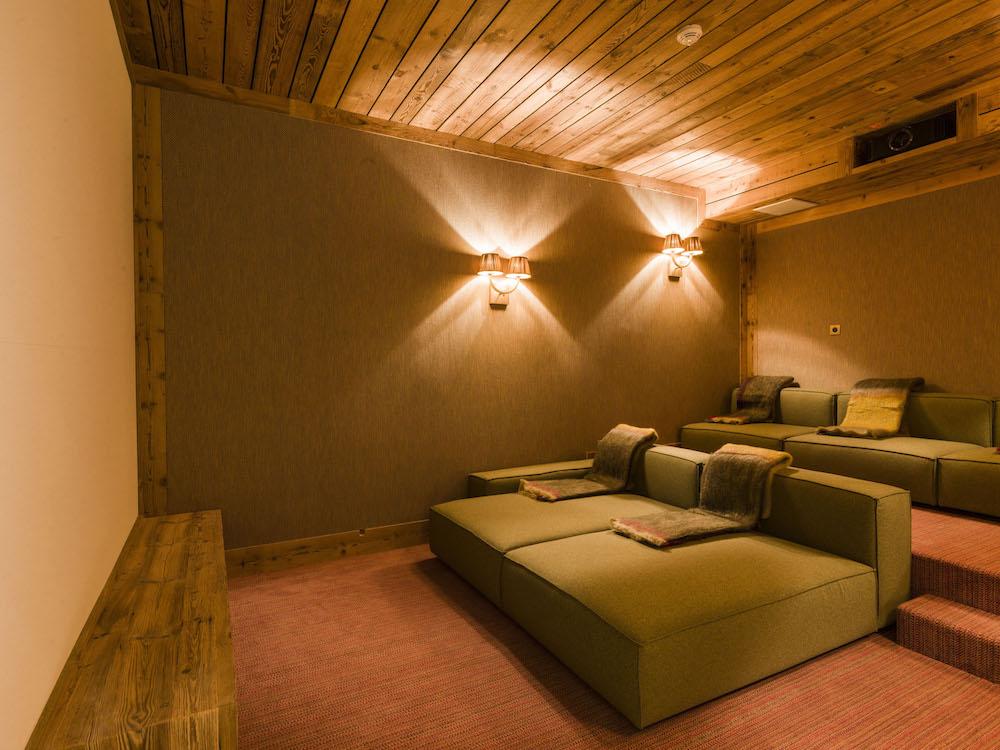 chalet-sequoia_salon-cinema