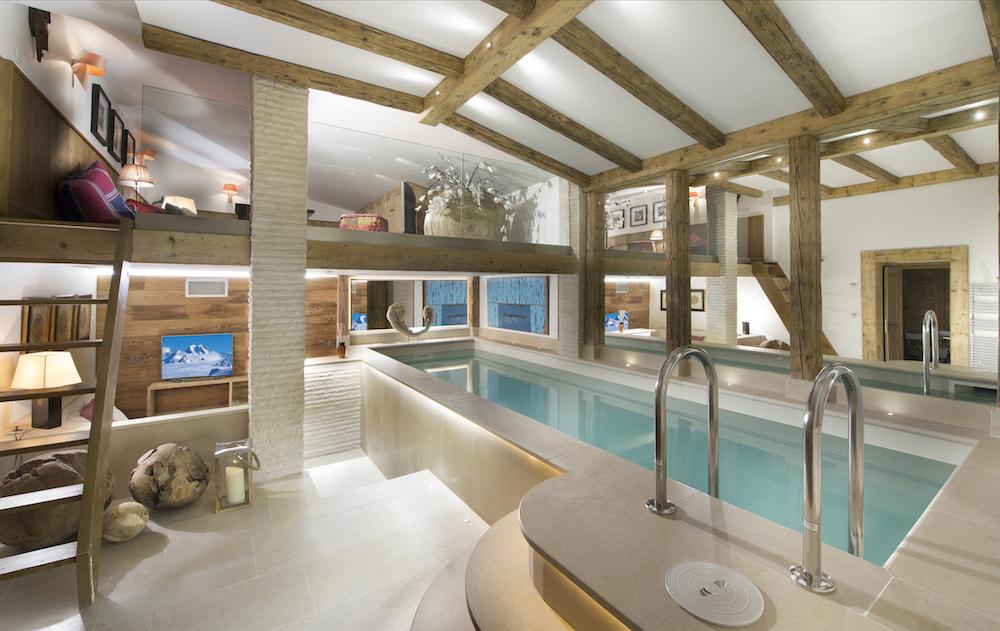 chalet-lenamaste-swimming-pool-01