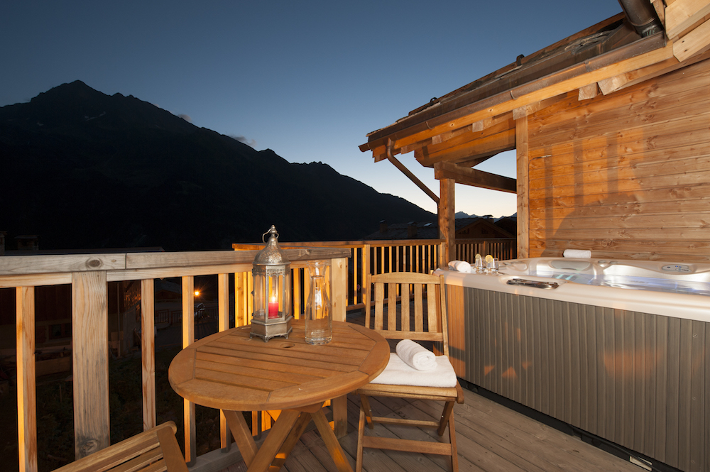 twilight-on-a-summers-evening-grand-solliet-balcony-and-hot-tub