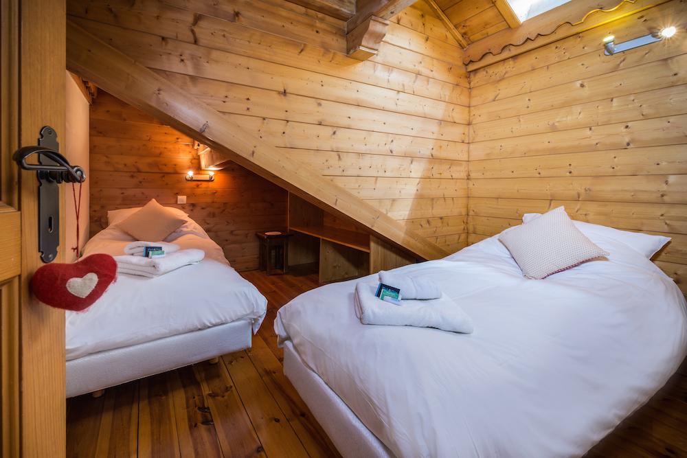 bedroom_twin-3