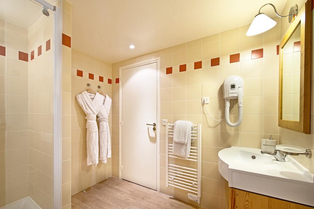 downstairs_bathroom