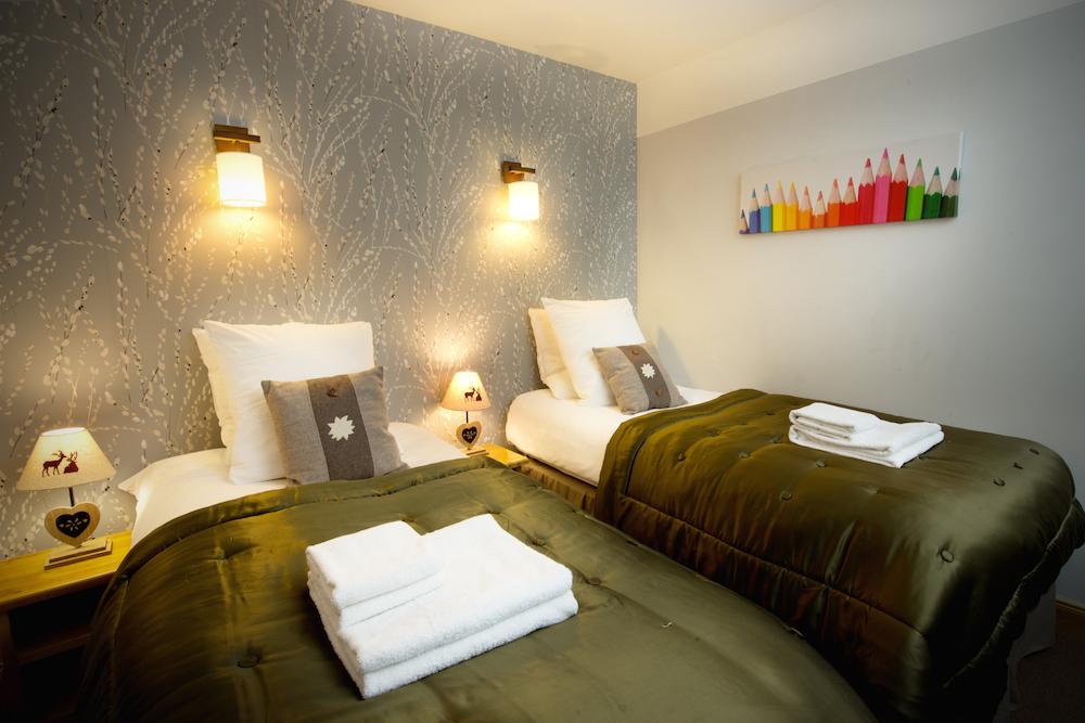 twin_bedroom
