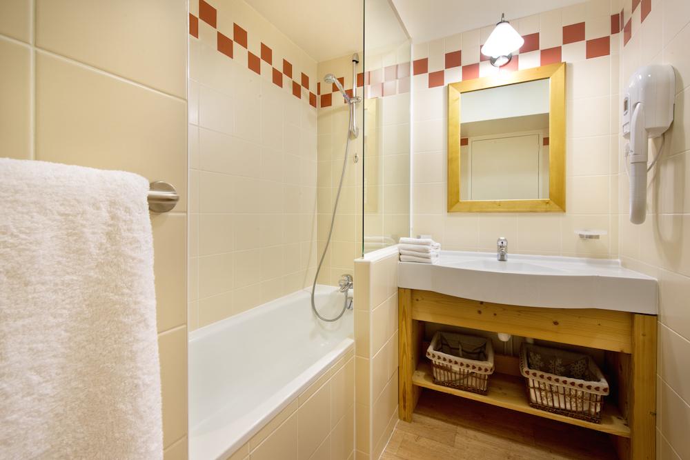 upstairs_bathroom