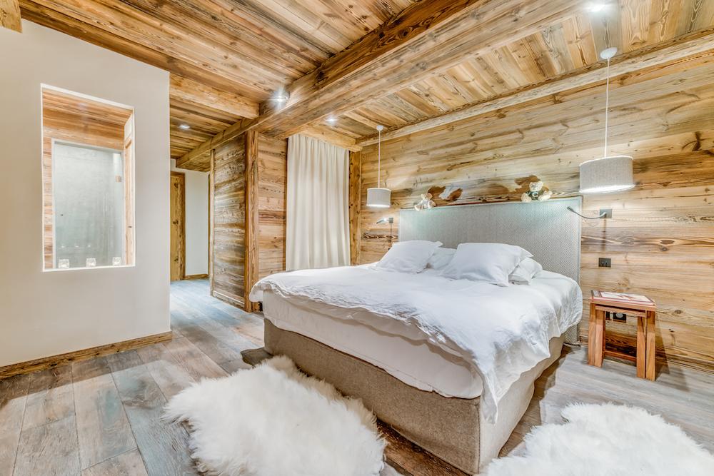 les-sorbiers-bedroom-1b