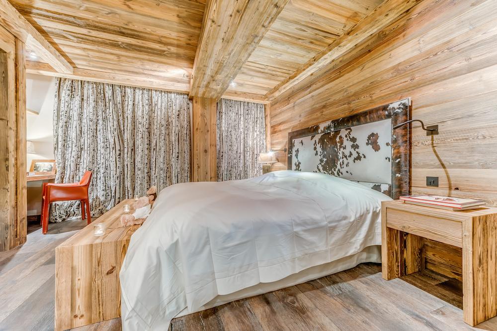 les-sorbiers-bedroom-2a