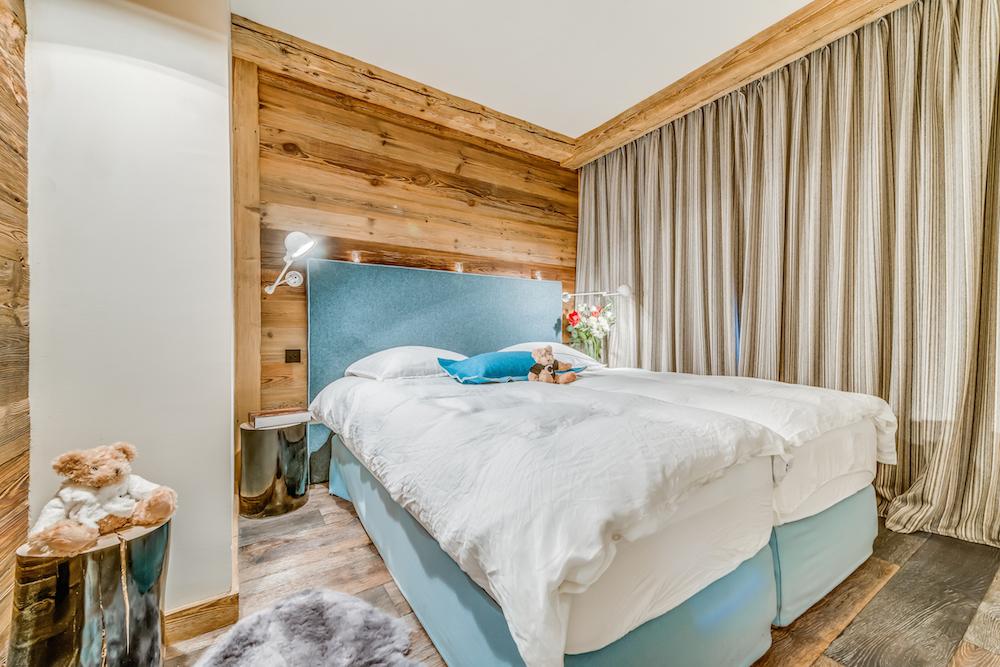 les-sorbiers-bedroom-3