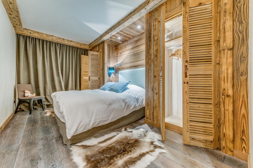 les-sorbiers-bedroom-4