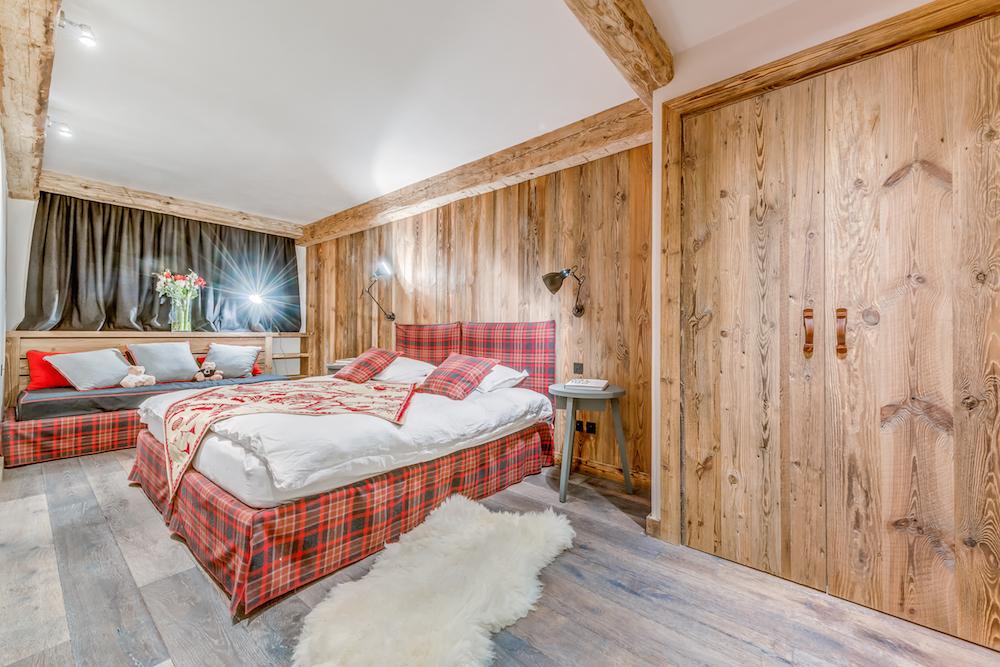 les-sorbiers-bedroom-5