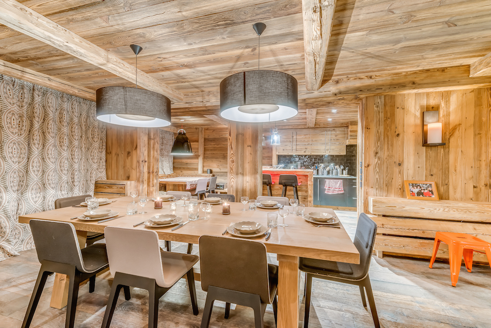 les-sorbiers-dining-and-breakfast-table