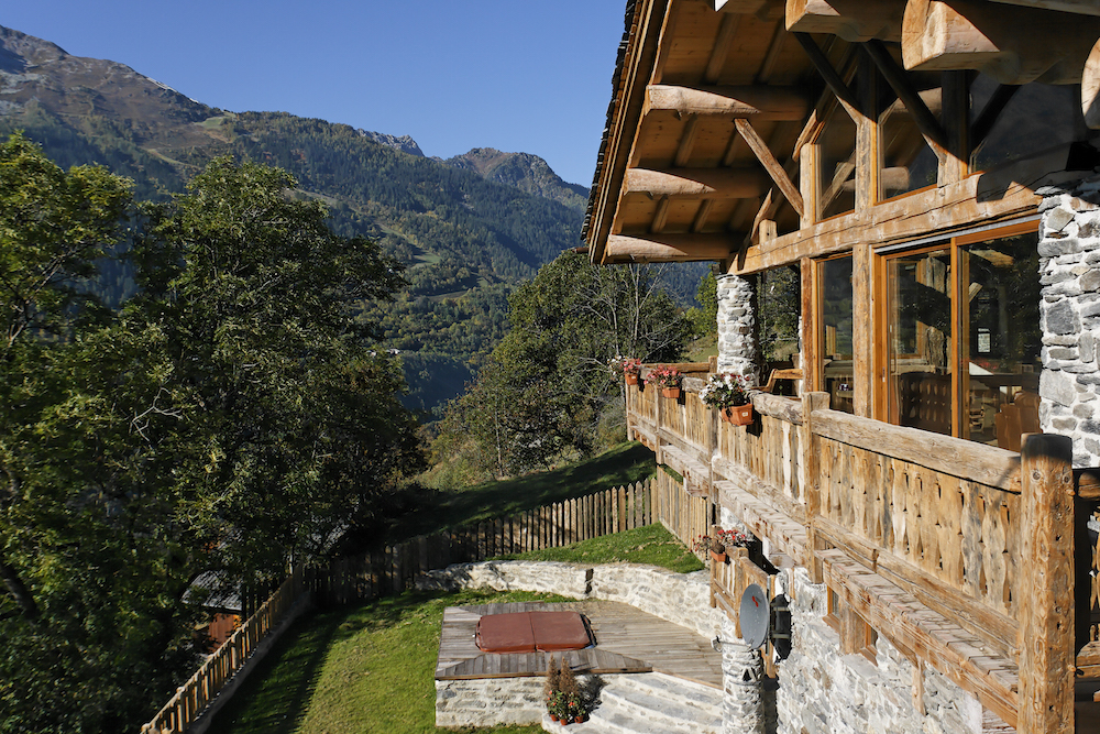 the-view-from-chalet-merlo-in-the-autumn-4