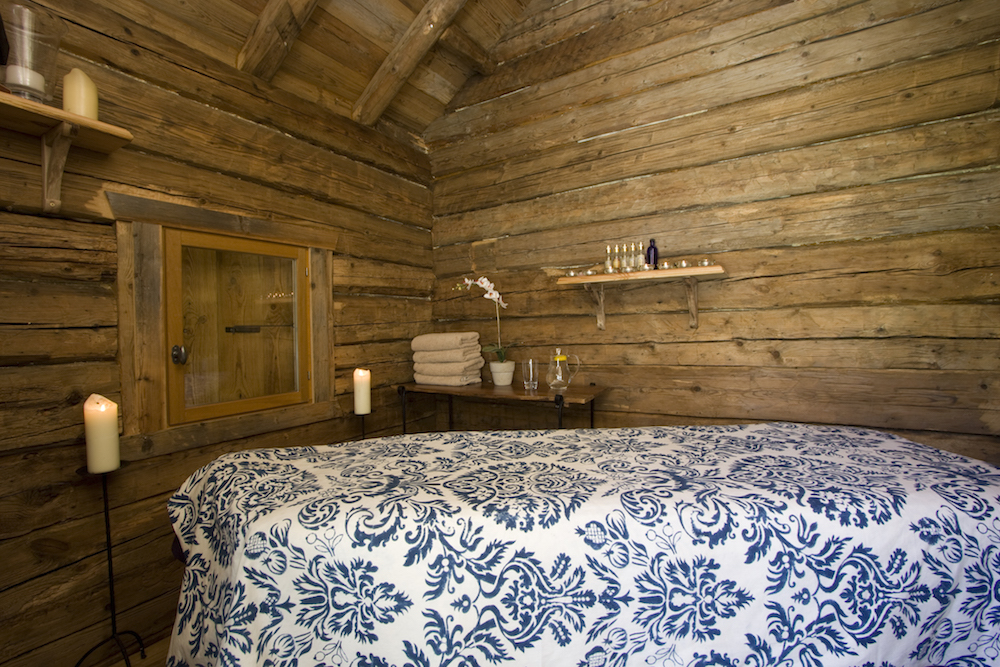 massage-room-at-chalet-merlo-4