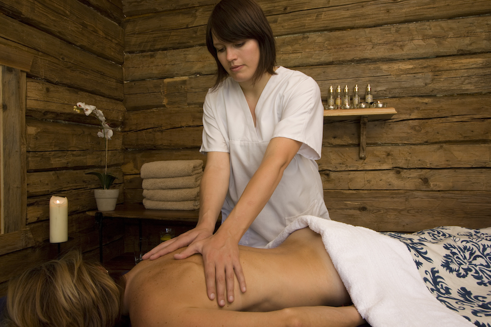 massage-room-at-chalet-merlo-3