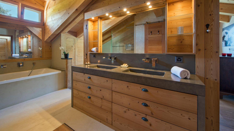 chalet-rock-bathroom1-3