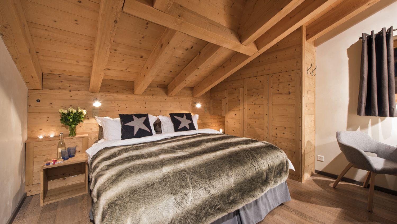 chalet-rock-bedroom2-3