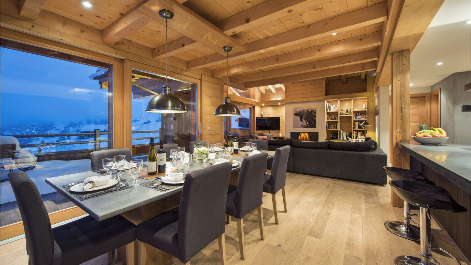 chalet-rock-dining-2
