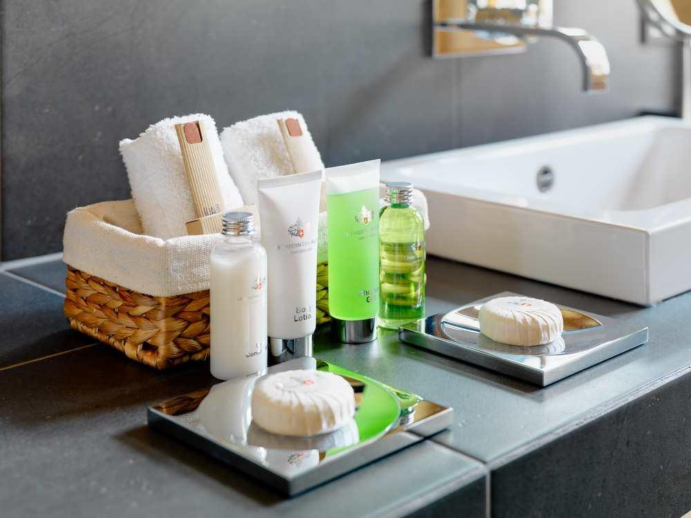 chalet-maurice-bathroom-2