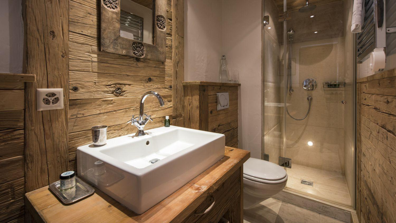 chalet-silver-bathroom2-2