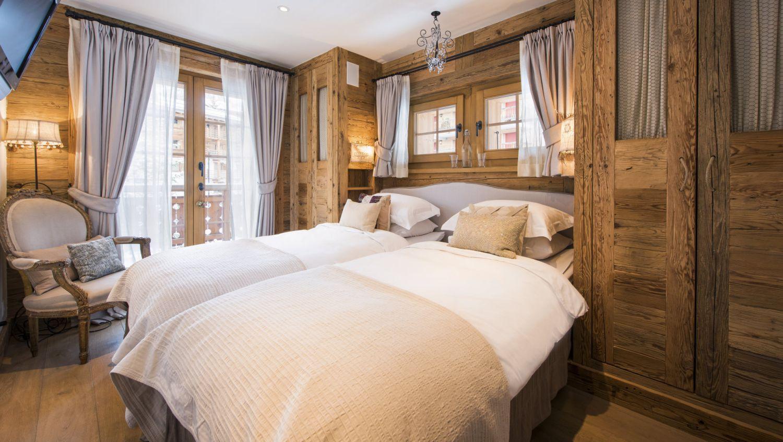 chalet-silver-bedroom2-2