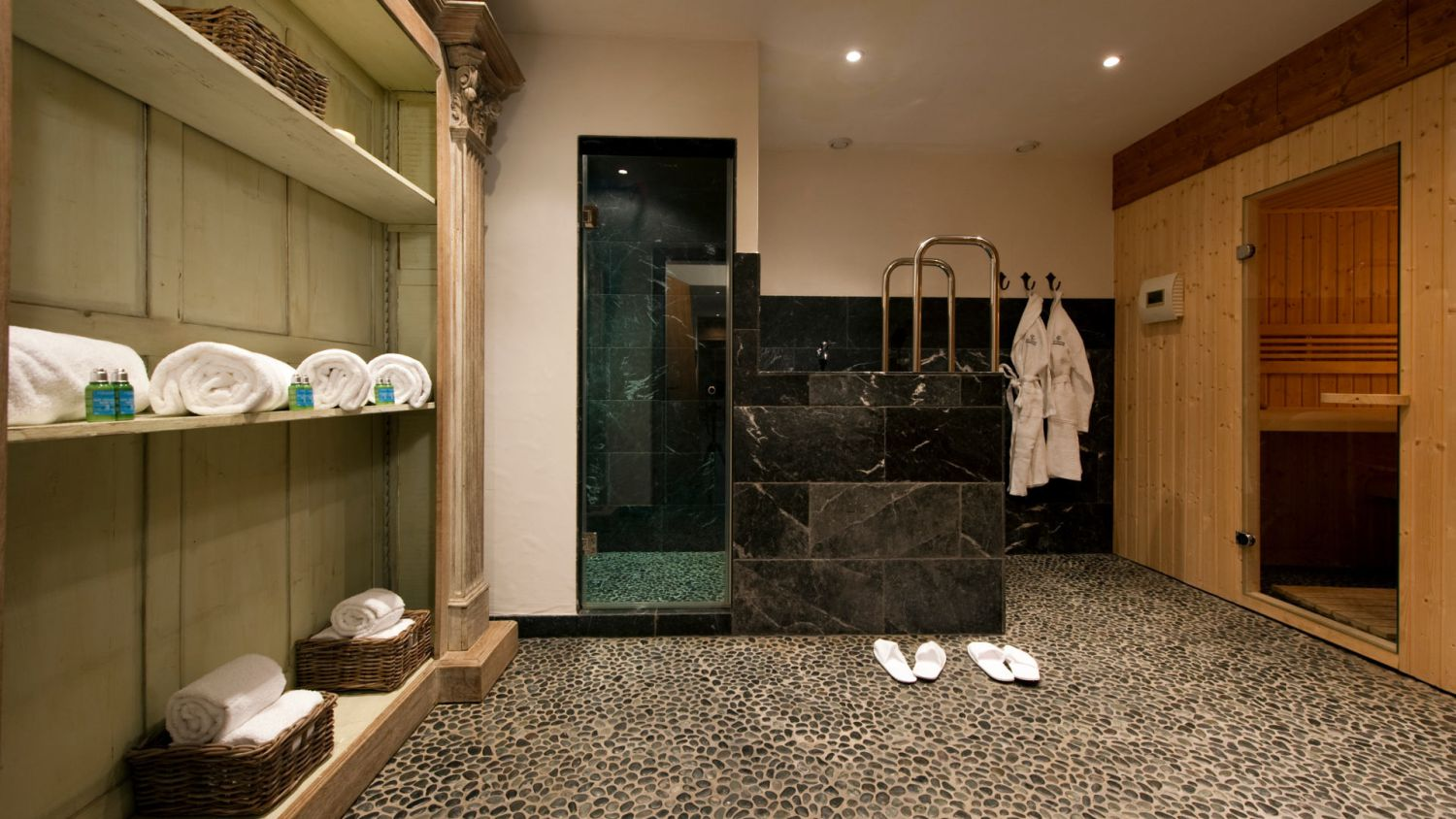 chalet-silver-shared-spa-2