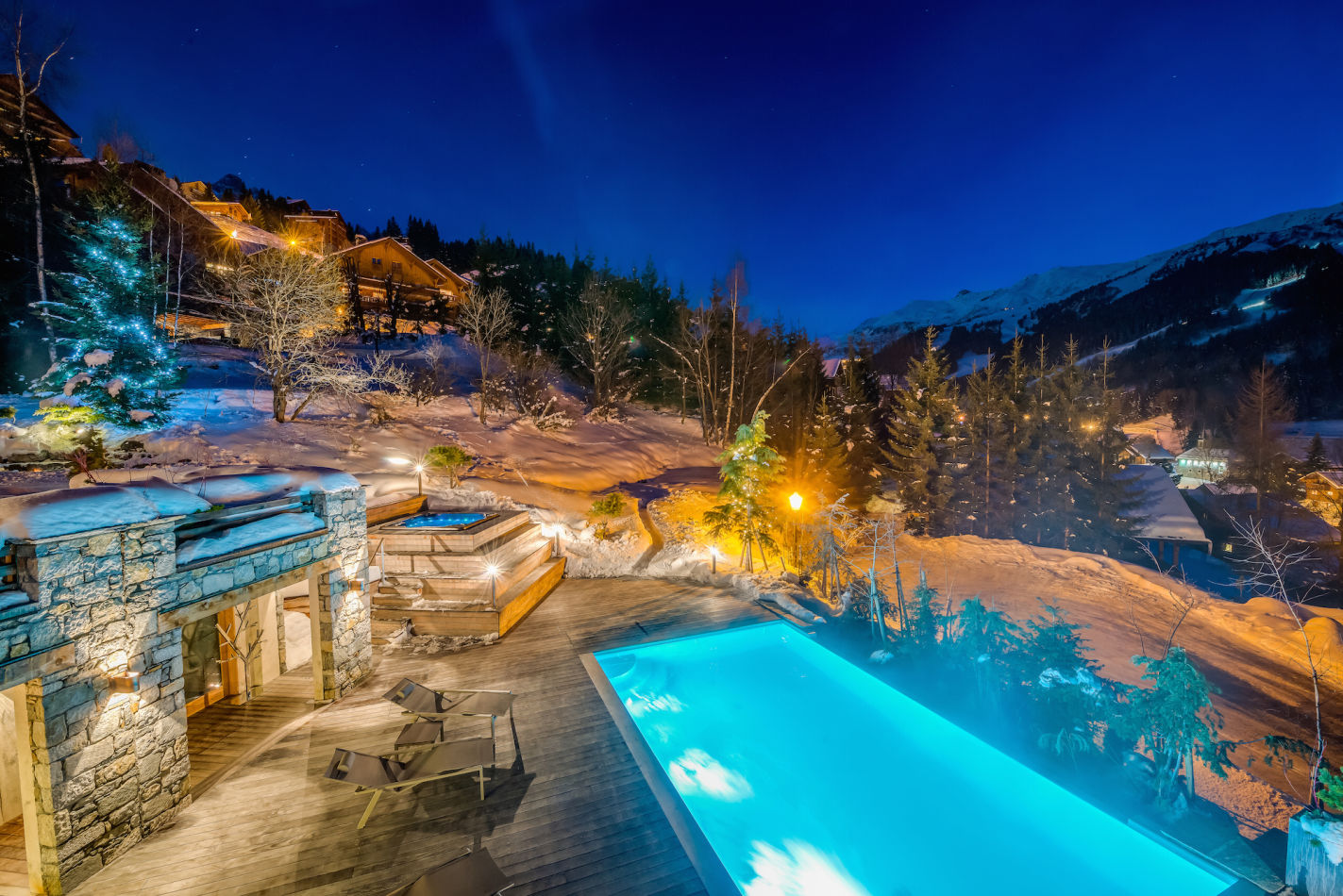 mt-exterior-pool-night