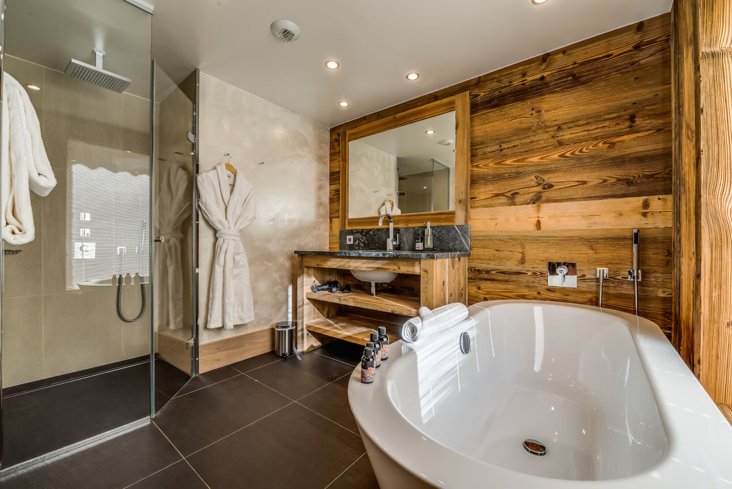 mont-tremblant-ensuite-bedroom-3