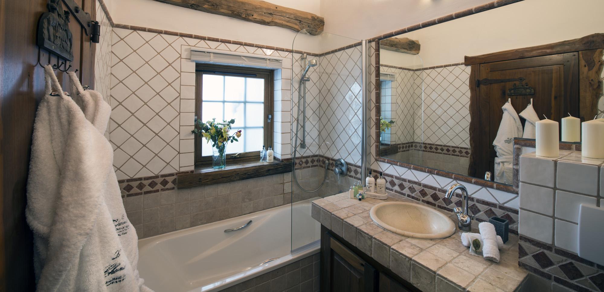 bathroom-cotswold-la-bergerie