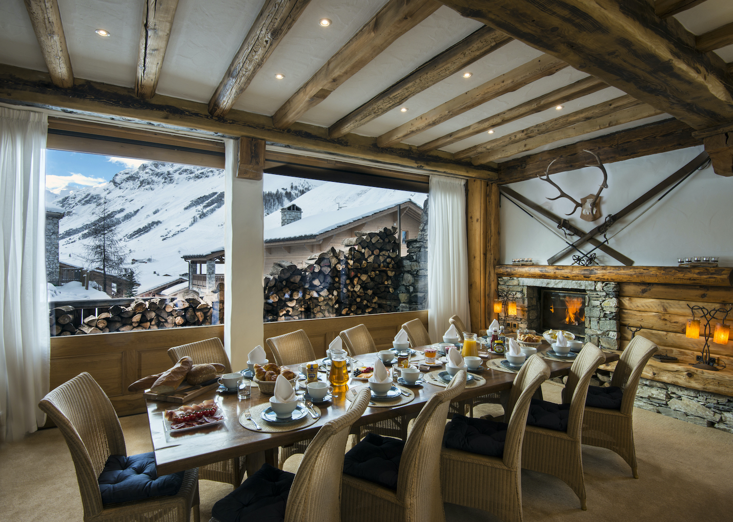 dining-room-2-la-bergerie