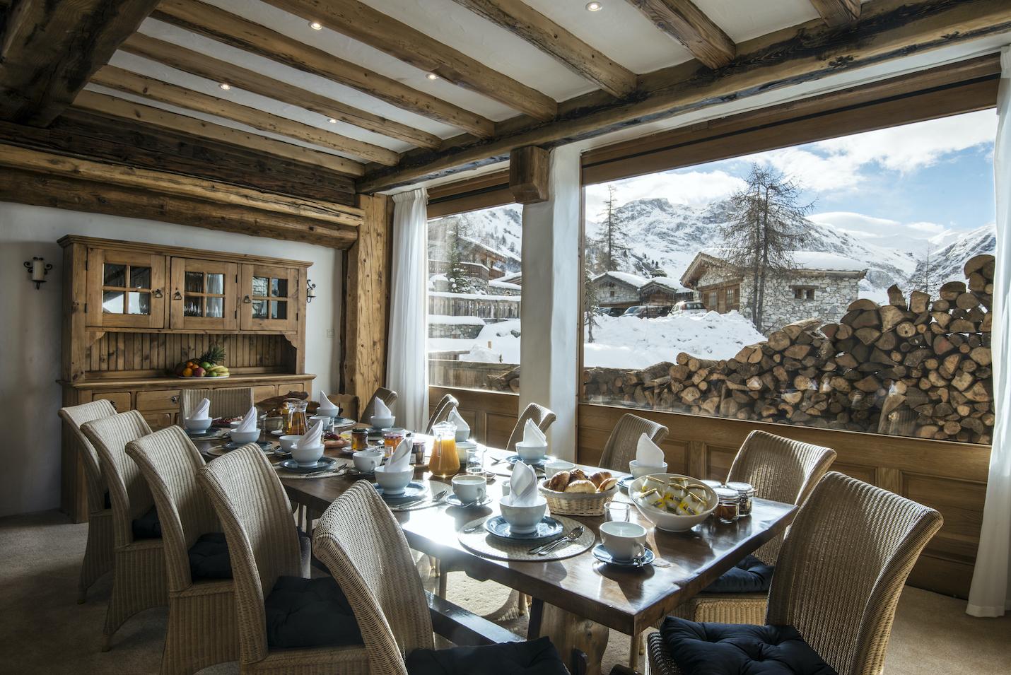 dining-room-la-bergerie