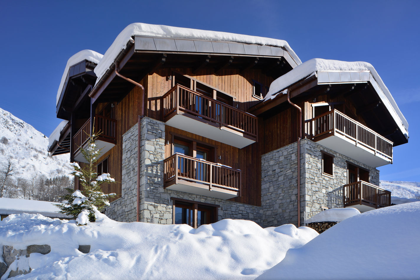 10-chamois-lodge-exterior