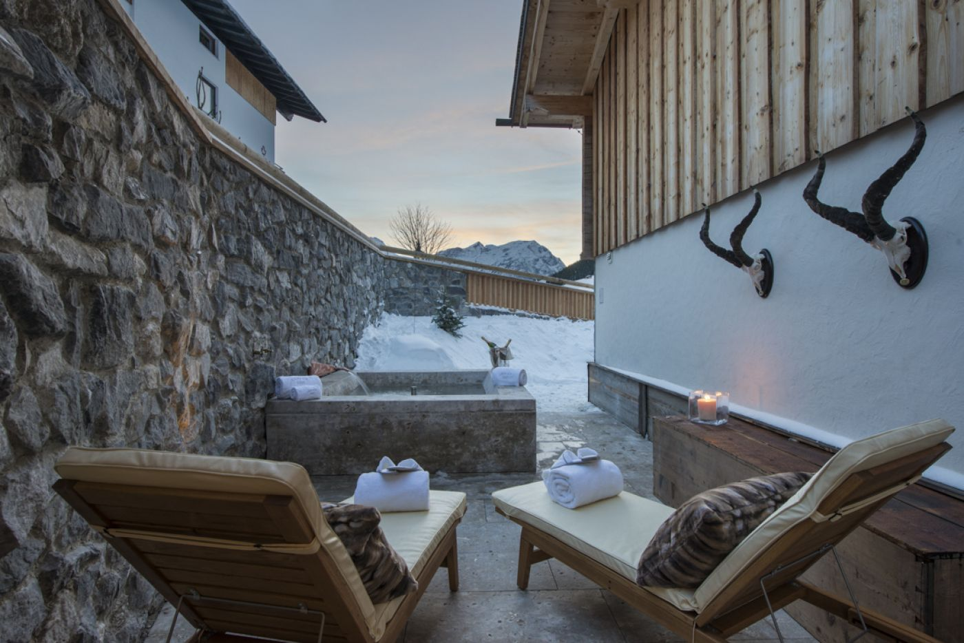 10chalet-1597-hot-tub2-2