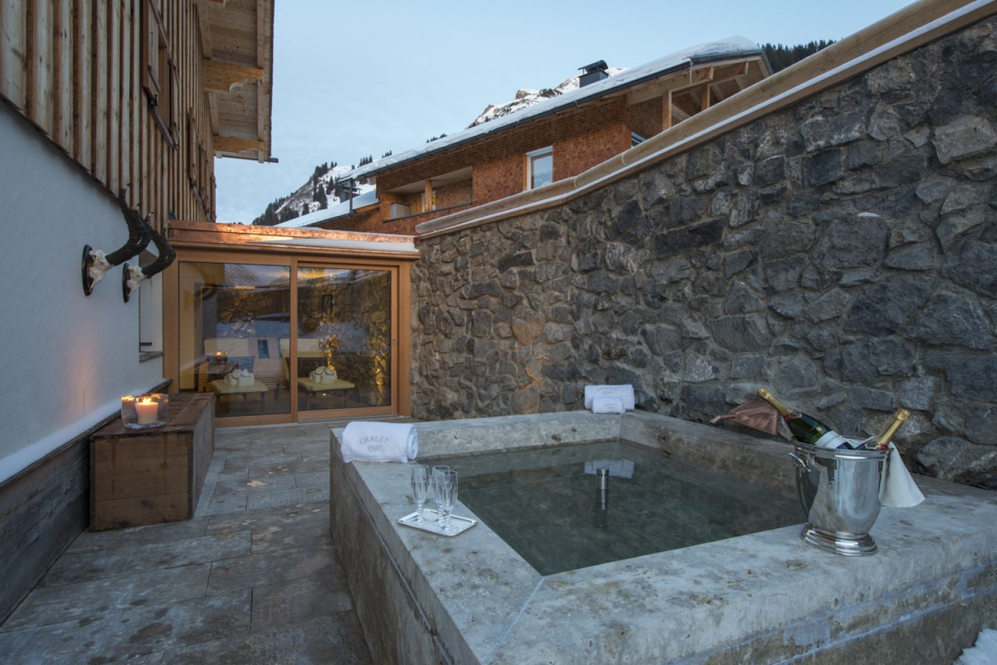 17chalet-1597-hot-tub-2