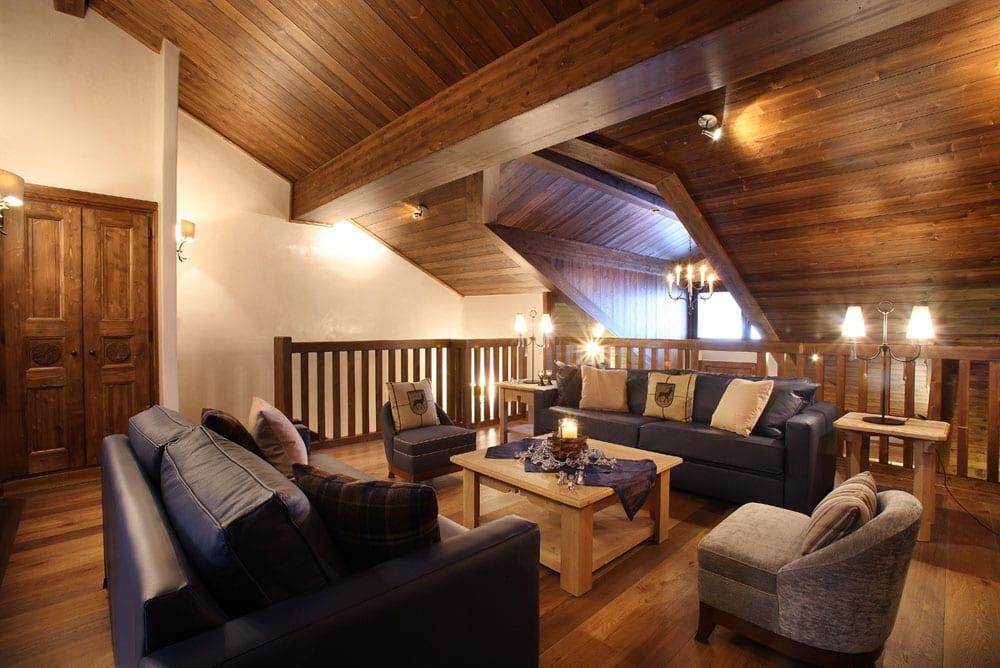3-up-lounge