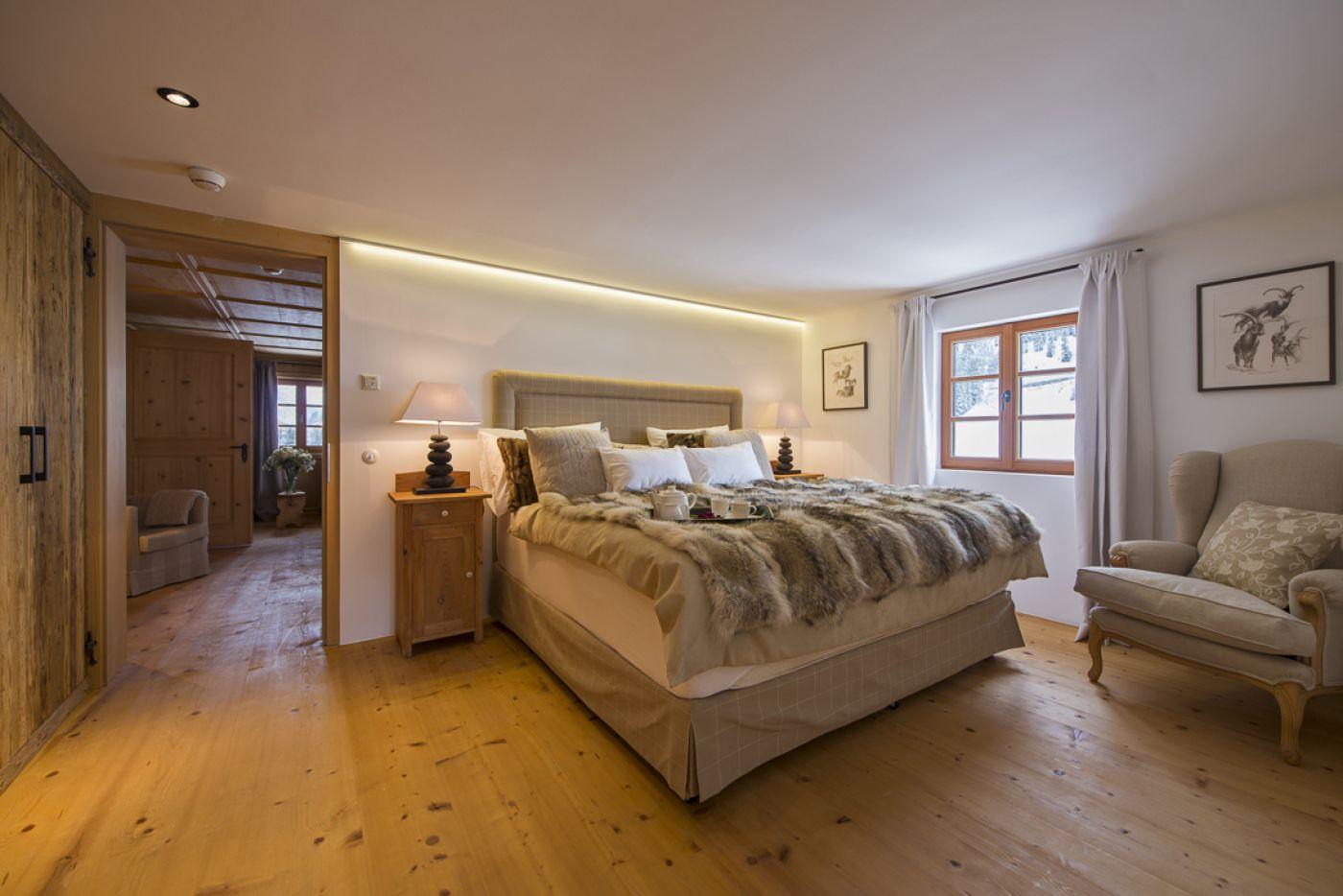 7chalet-1597-bedroom2-2