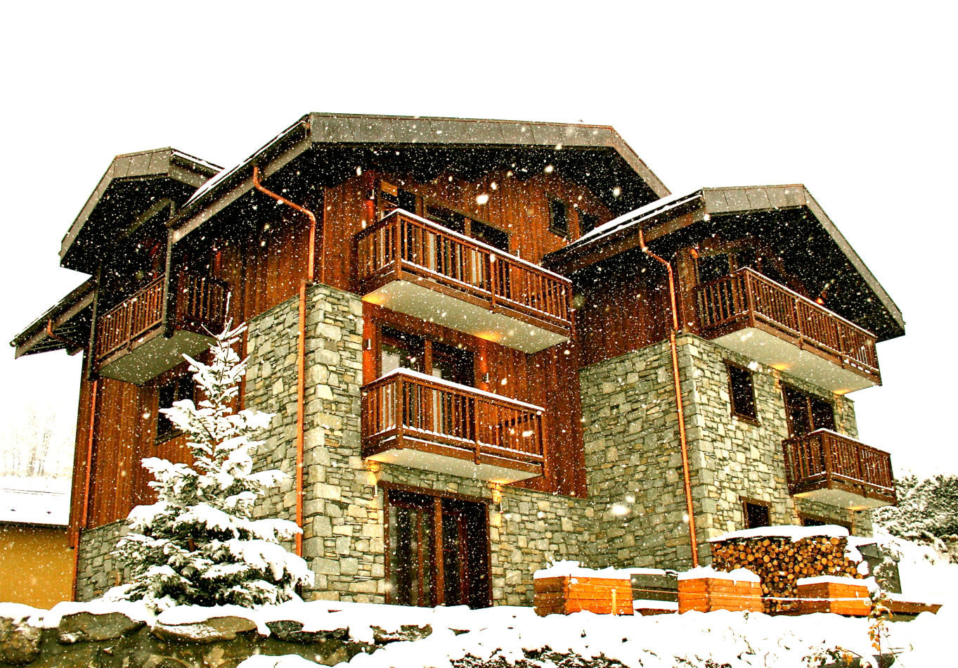 9-chamois-lodge-exterior-snowing
