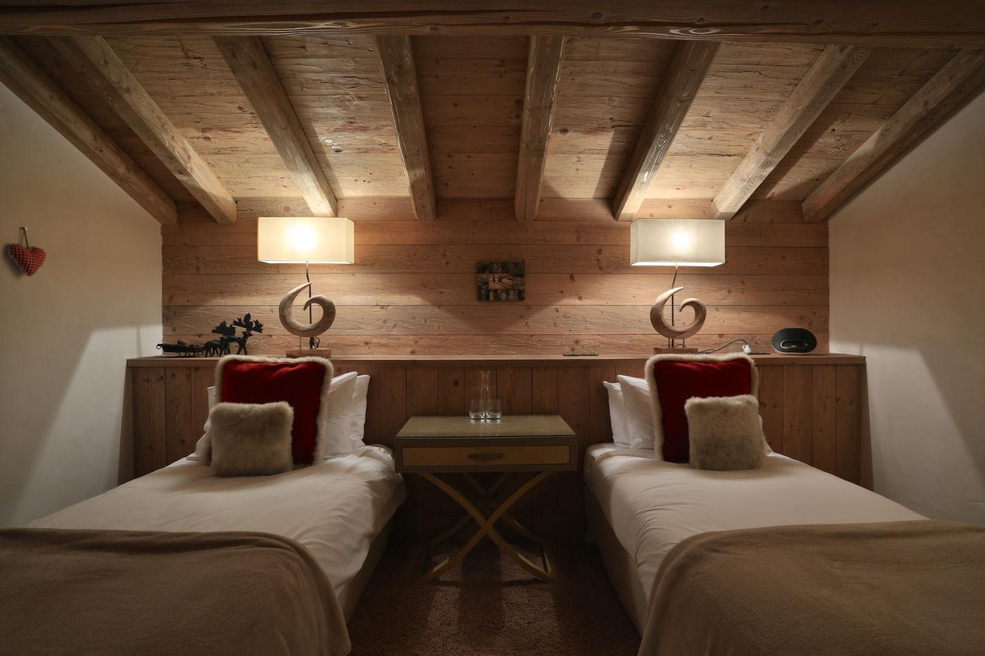 bedroom-3-evening-image-113