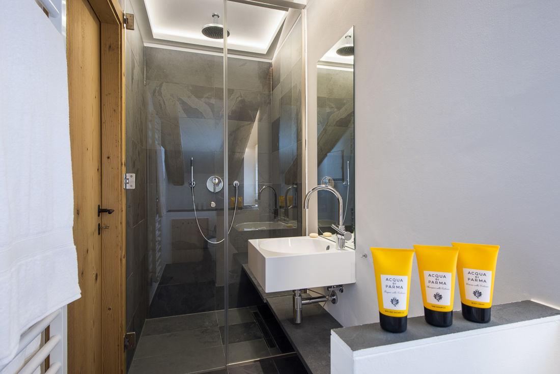 chalet-almajur-shower-2