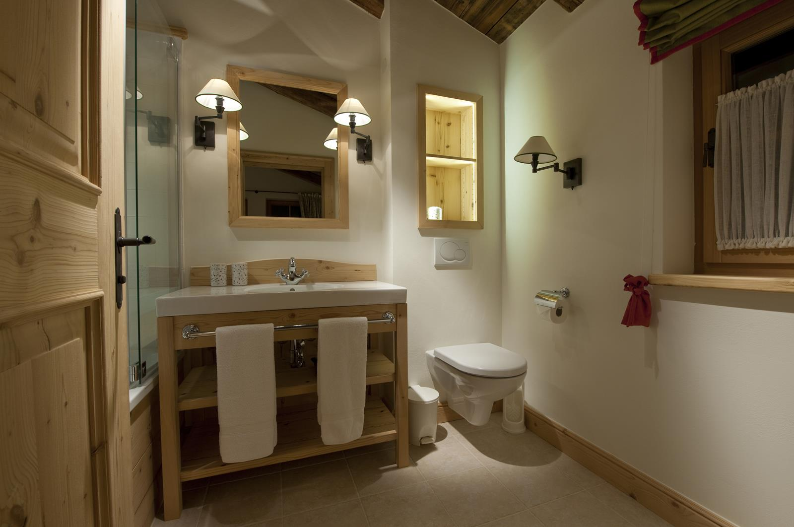 chalet-antoinette-bathroom5-2