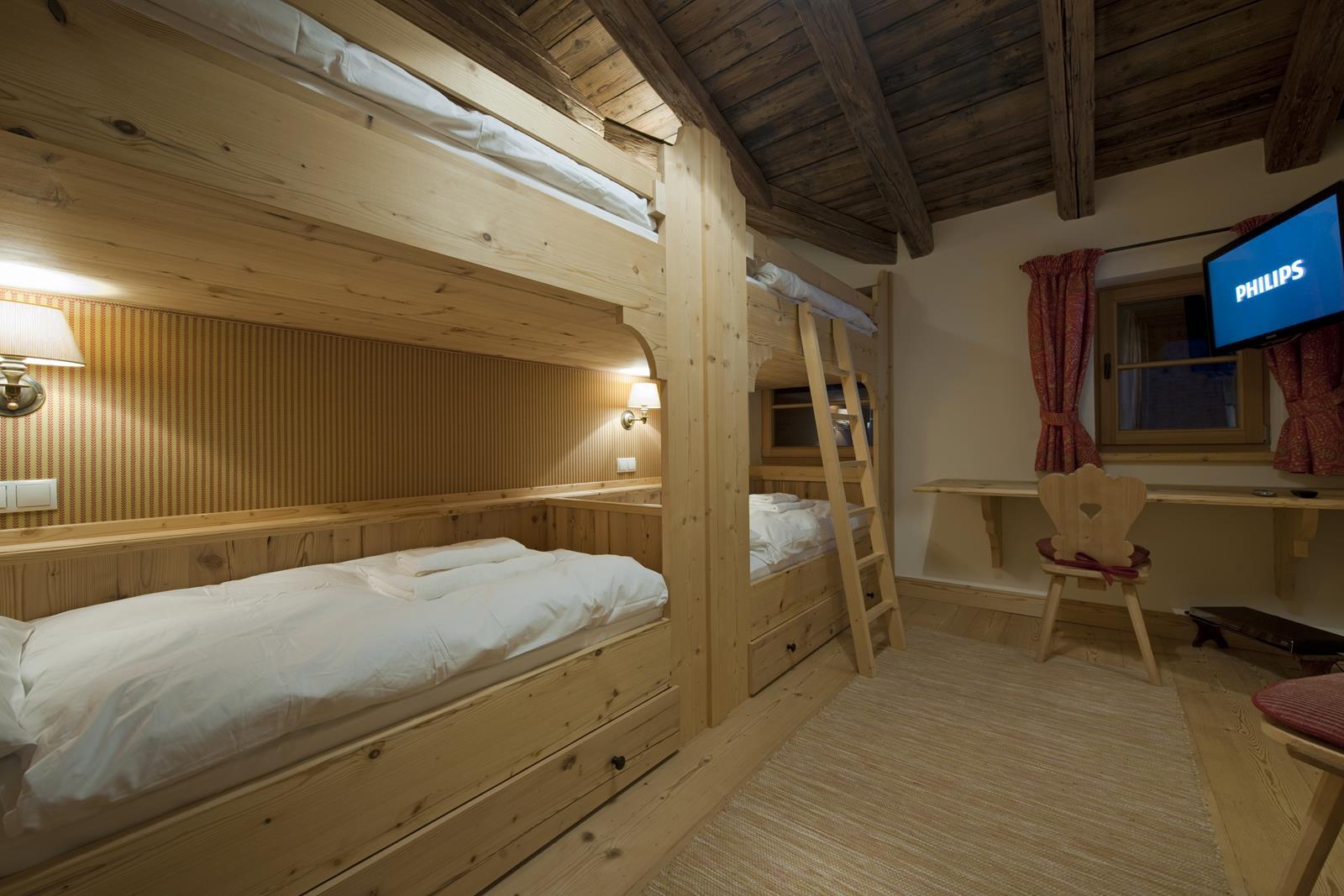chalet-antoinette-bunk-room-2