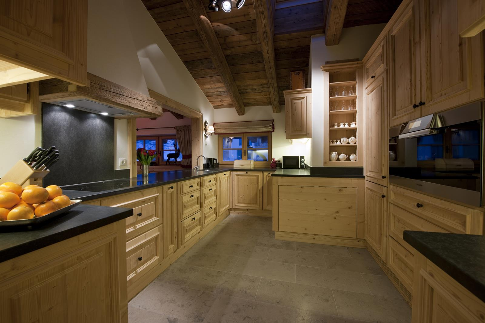 chalet-antoinette-kitchen-2