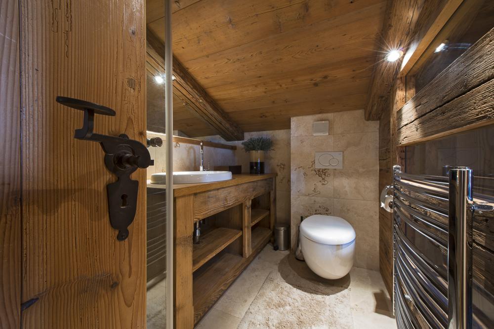 chalet-corniche-bathroom2-2
