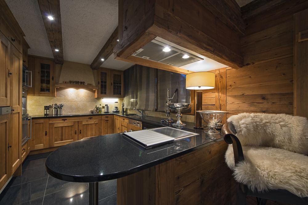 chalet-corniche-kitchen-2