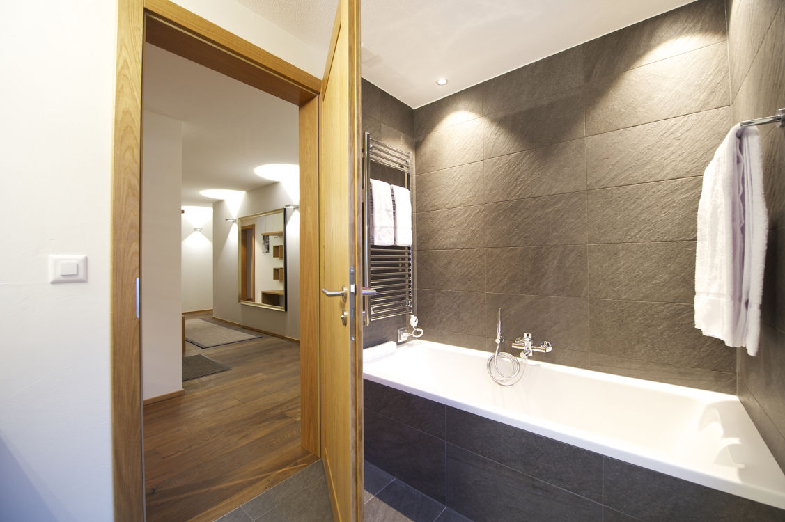 chalet-lys-bathroom2-2