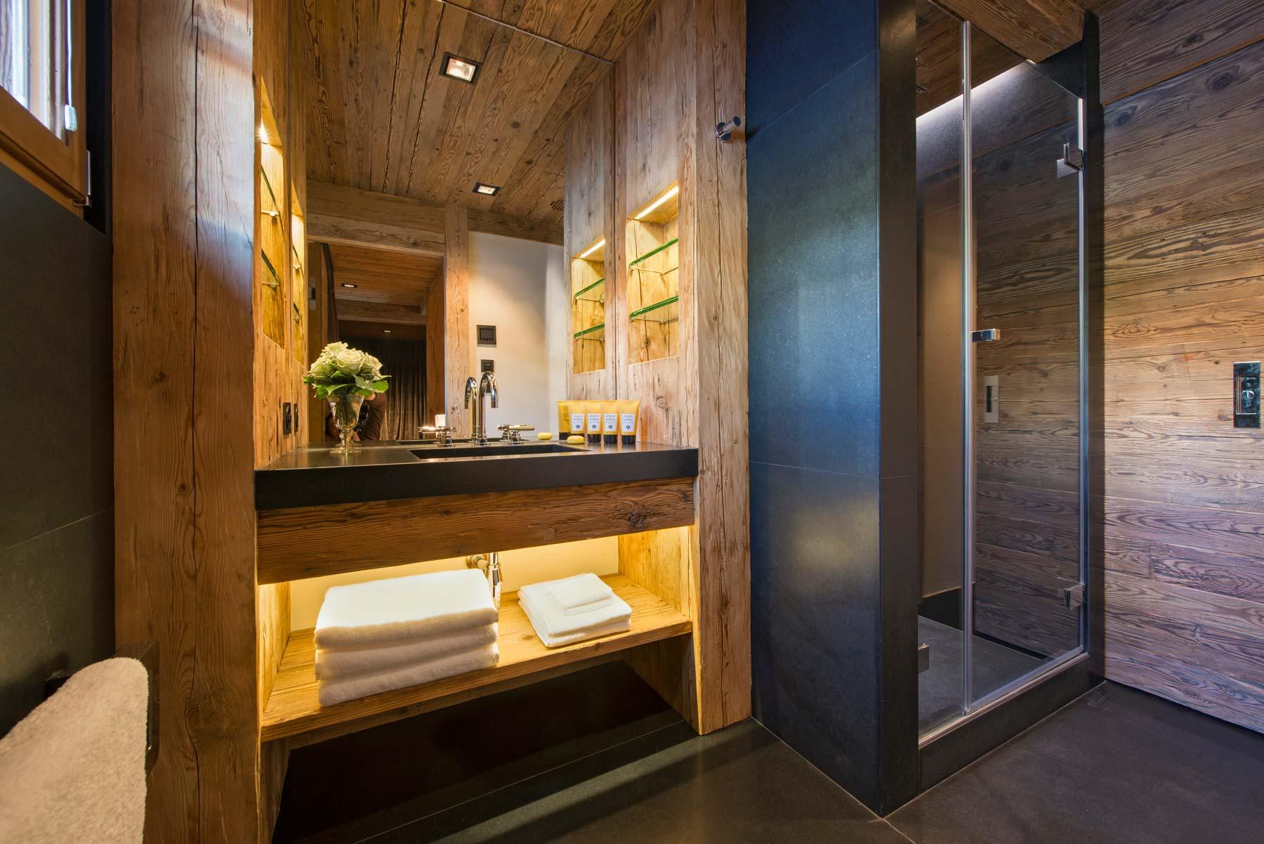 chalet-makini-bathroom3-2